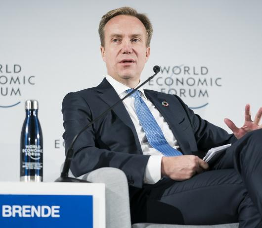 Davos Chief to Asharq Al-Awsat: Extreme Poverty Levels Rising for First Time in Two Decades