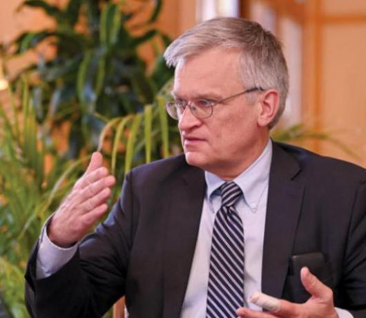 Swedish Envoy to Yemen to Asharq Al-Awsat: Tragic Bloody Attack on Marib Must Stop