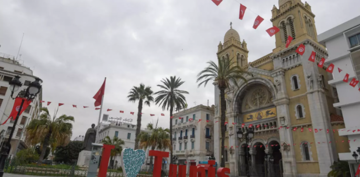 Tunisians Emerge From Lockdown Into Mosques, Cafes