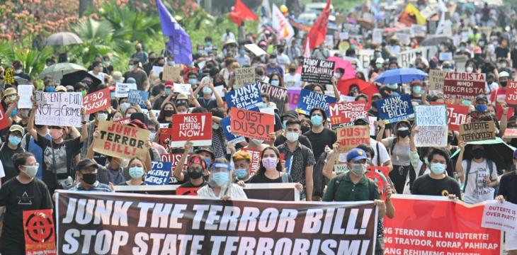 Philippines' Duterte Signs Anti-Terrorism Bill into Law