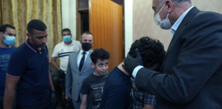 Iraq PM Pays Respects to Hashemi's Family, Calls Him 'Hero'