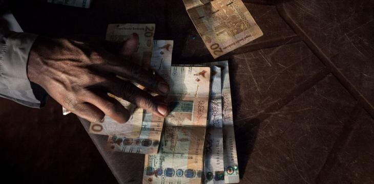 Sudan Hands out Cash to Ease Economic Crunch