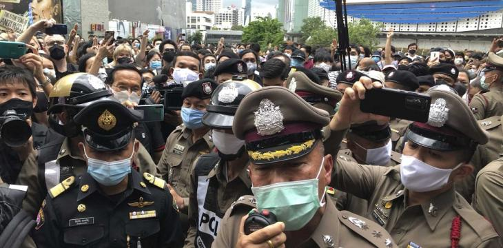 Hundreds Rally against Detention of Thai Protest Leaders