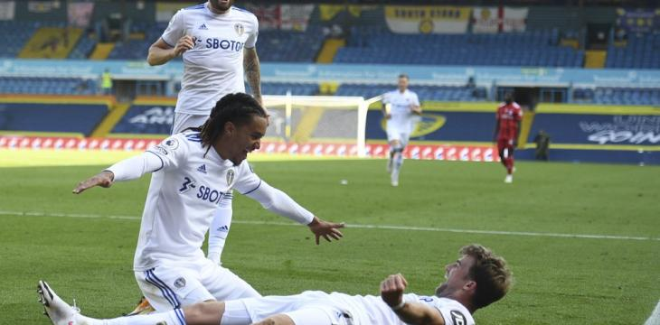 Leeds on Right Side of 4-3 Thriller for 1st Win in EPL