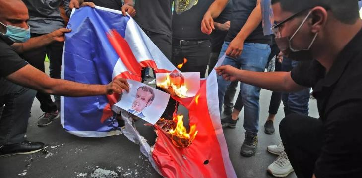 Iraqis Protest Macron Comments outside French Embassy