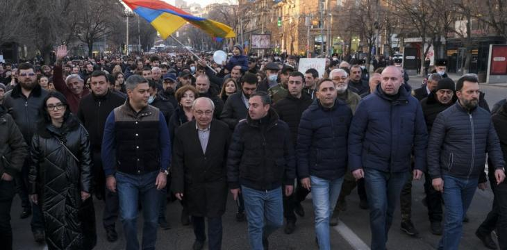 Armenia's Political Tensions Heat Up With Rival Rallies