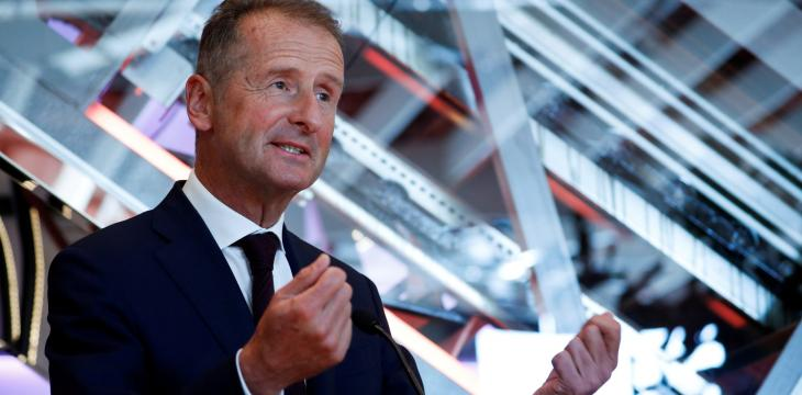 Volkswagen CEO: Chip Shortage Weighs on Car Sector Recovery