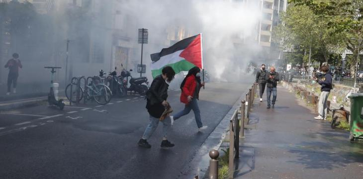 Tensions in Paris as Pro-Palestinian Protesters Defy Police