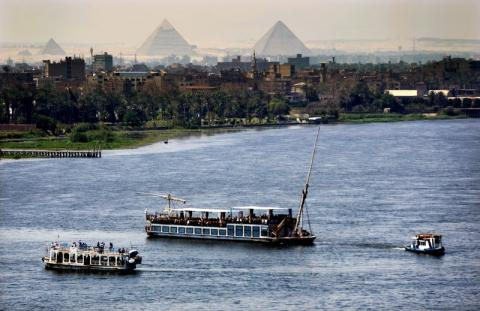Egypt Signs 1.7 Bln Euros of Financing Deals With France